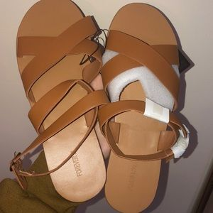 BNWT Forever21 strappy sandal in tan color